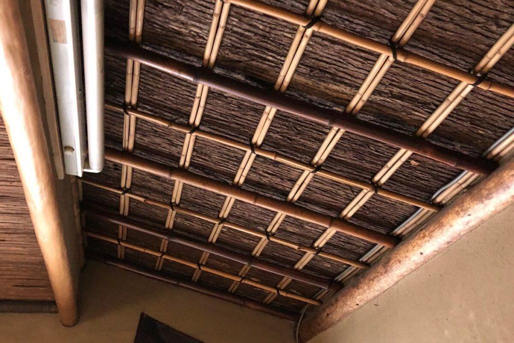 杉皮 施工例(茶室掛け込み天井)
